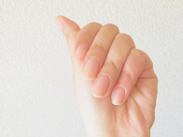 爪 薄い 補強 マニキュア