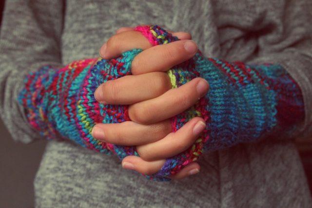 爪 でこぼこ 親指だけ 手 修復 病気