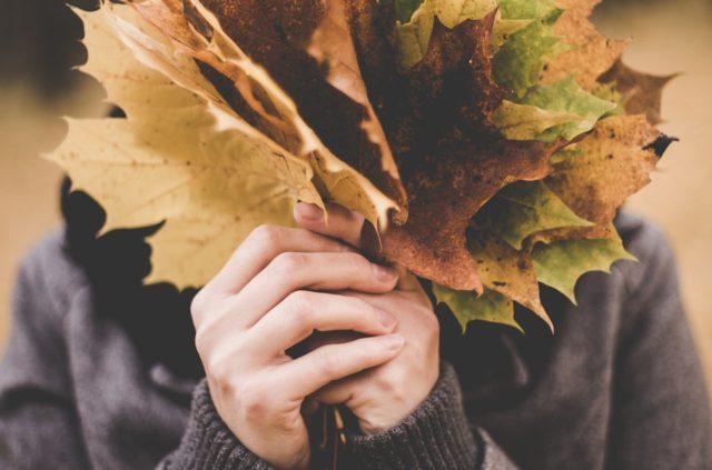 セルフネイル デザイン 秋 シンプル おすすめ 簡単